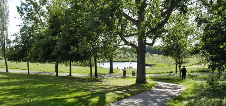 Take advantage of the athletics track in Sutcliffe Park by meeting there with your personal trainer in Greenwich.