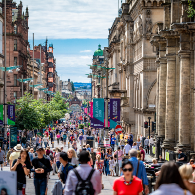 How about getting together for a jog with one of the personal trainers in Glasgow on our site to enjoy the city's wide avenues and beautiful architecture?